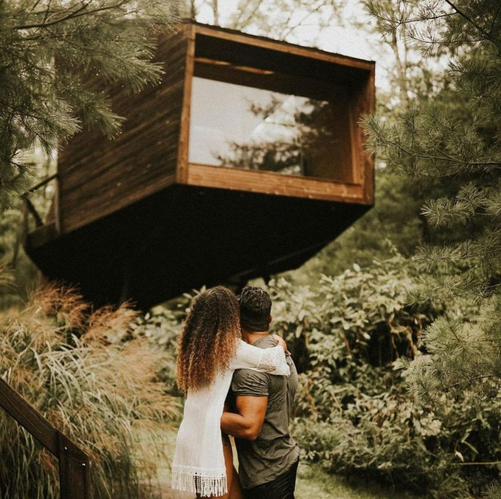 Willow Airbnb Treehouse